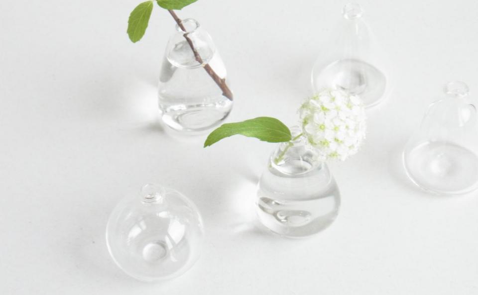 小さな花器 ¥1,000(税抜)