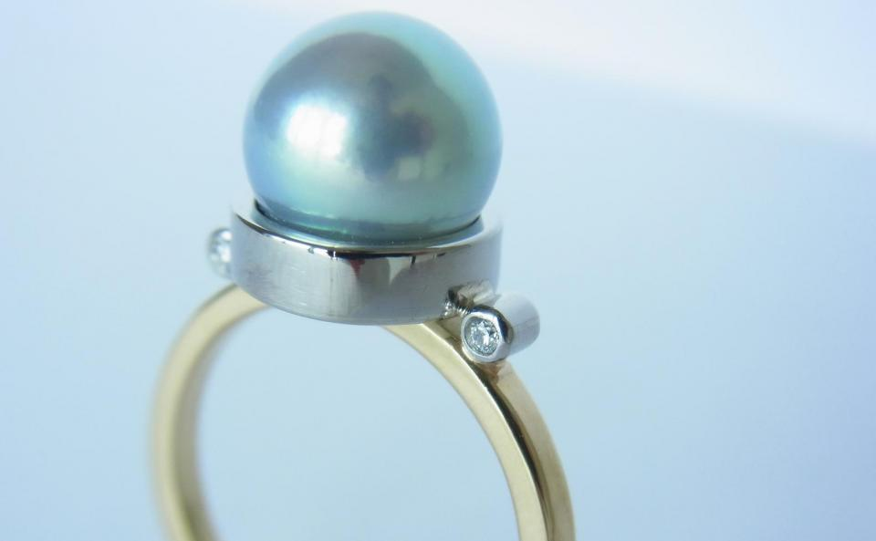 アコヤパールリング K18 / Pt900 / アコヤパール / ダイヤモンド(ホワイト・ピンク) ¥129,600(税込)